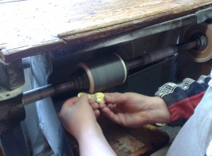 hornvarefabrikken-slibning
